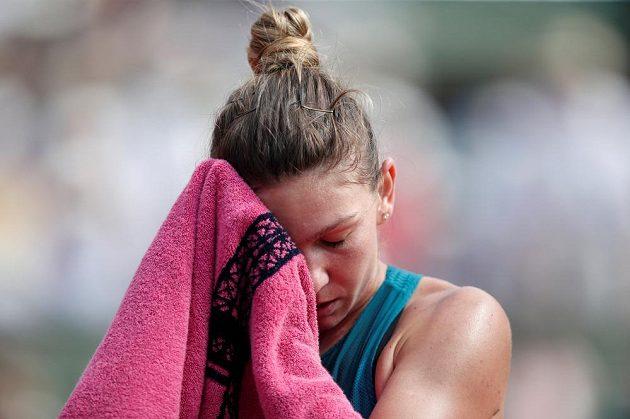 Během finále French Open panovalo velké vedro.