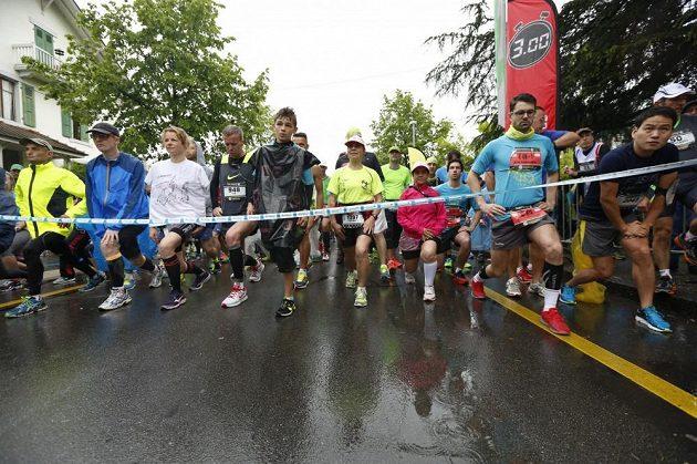 Ženevský maratón - start a rozehřívání pod odborným dozorem.