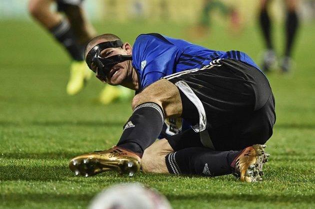 Muž s maskou rozhodl. David Bartek z Bohemians byl hrdinou Pražanů, když vstřelil do sítě Příbrami dvě branky a pomohl Klokanům k postupu do čtvrtfinále MOL Cupu. V Příbrami vyhráli 2:1.