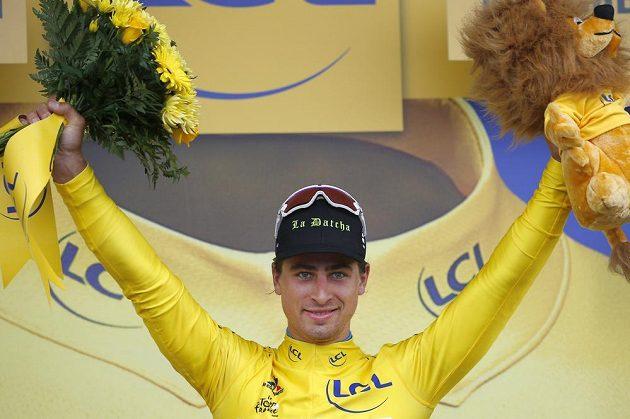 Peter Sagan slaví vítězství v druhé etapě Tour de France.
