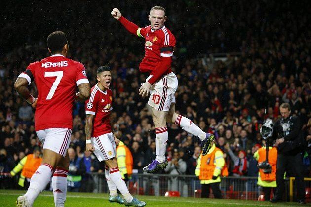 Wayne Rooney jásá, dal jediný gól Manchesteru United proti CSKA v utkání LM.