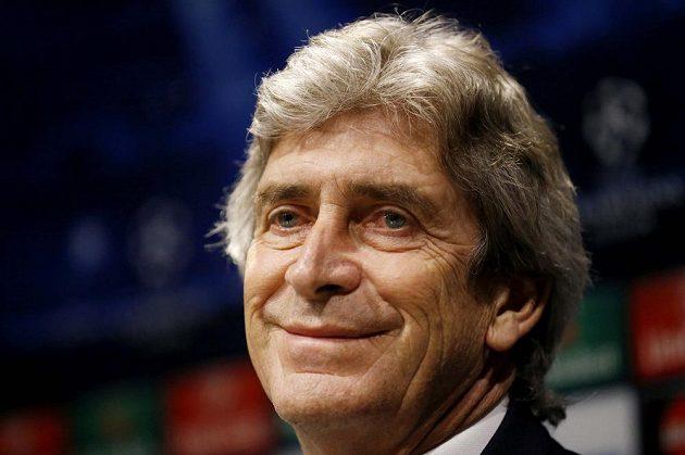 Trenér Manchesteru City Manuel Pellegrini se o práci nebojí.