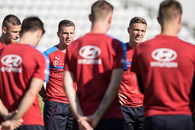 Zleva Pavel Kadeřábek, Vladimír Darida a Bořek Dočkal na tréninku národního týmu.