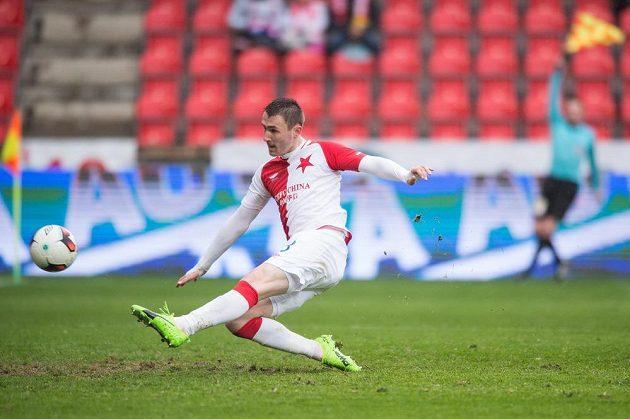 Jaromír Zmrhal ze Slavie Praha střílí gól proti Hradci Králové. Ofsajd mu ale jeho radost zkalila.