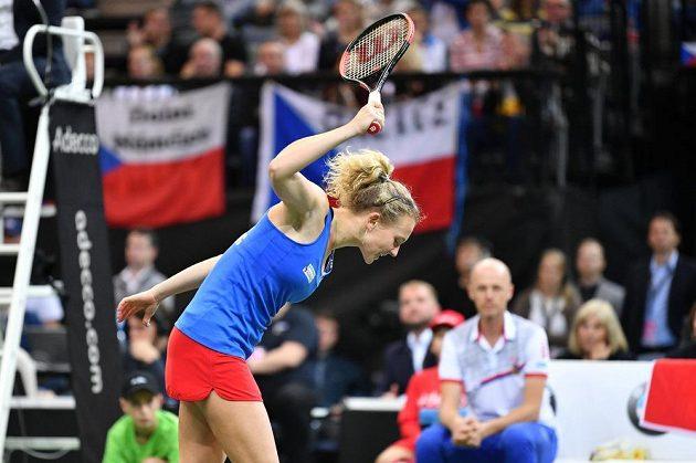Výlev vzteku Kateřiny Siniakové v zápase proti Sofii Keninové z amerického týmu ve finále Fed Cupu 2018 v Praze.