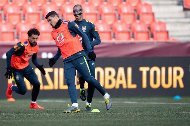 Obránce Thiago Silva během tréninku národního týmu Brazílie před přátelským utkáním v Praze.