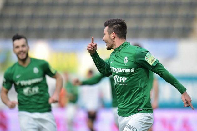 Michal Trávník oslavuje gól proti Hradci Králové.