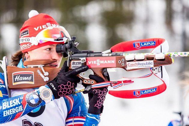 Veronika Vítková na střelnici v kanadském Canmore.
