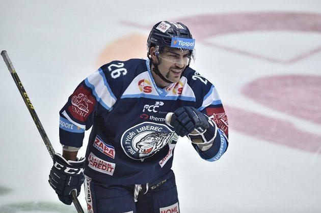 Liberecký Petr Jelínek se raduje poté, co otevřel skóre v zápasu se Spartou.