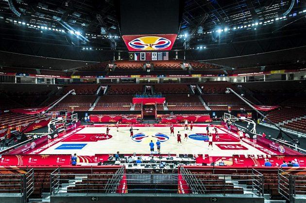 Čeští basketbalisté si na MS po přesunu ze Šanghaje vyzkoušeli prostředí haly v Šen-čenu.