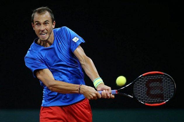 Takhle vypadalo české oblečení v DC naposledy. Lukáš Rosol během barážového utkání Davis Cupu v Nizozemsku proti Robinu Haasemu.