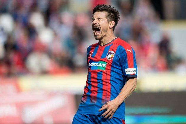 Plzeňský záložník Václav Pilař během utkání s Olomoucí.