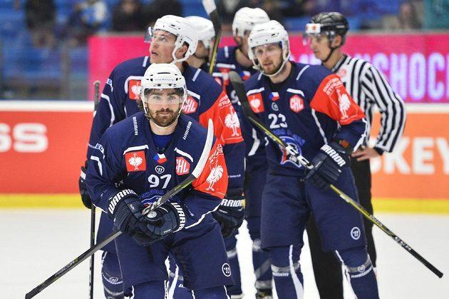 Radost Plzně z třetího gólu proti Banské Bystrici, který dal Lukáš Kaňák (vpředu).