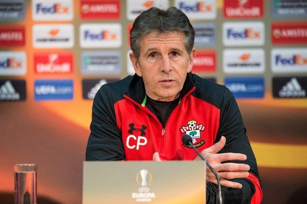 Trenér Southamptonu Claude Puel na tiskové konferenci před utkáním se Spartou.