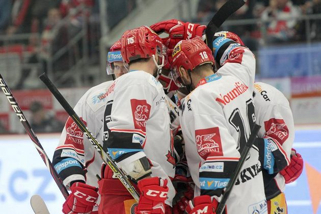 Ojedinělá je gólová radost královéhradeckých hokejistů v sérii s Třincem.