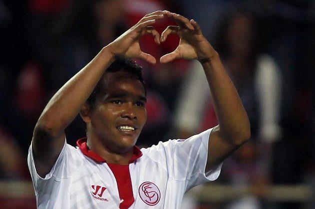 Radující se Carlos Bacca po druhém gólu v síti Valencie.