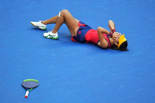 Emma Raducanuová se na US Open postarala o dokonalou senzaci.