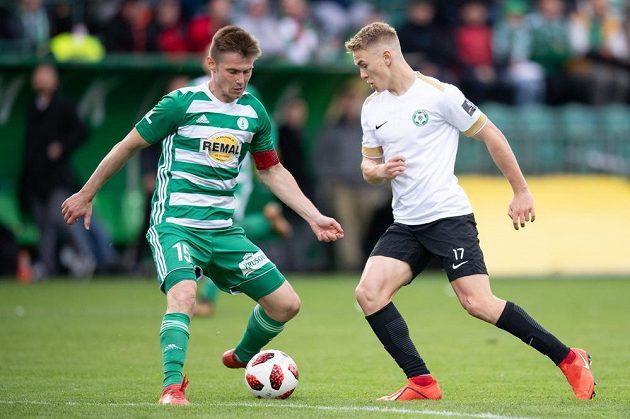 Daniel Krch z Bohemians a Jan Matoušek z Příbrami během utkání nadstavby Fortuna ligy ve skupině o záchranu.