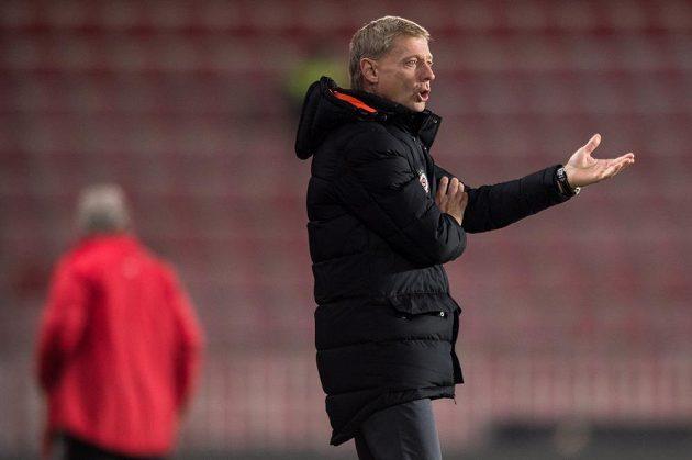 Sparťanský trenér Zdeněk Ščasný během čtvrteční odvety osmifinále MOL Cupu s Pardubicemi.