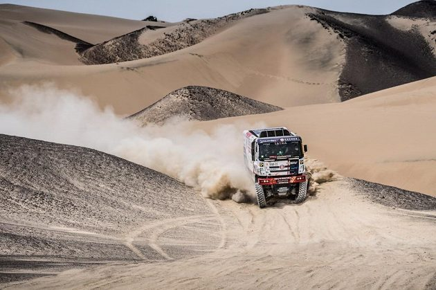 Martin Kolomý na trati Rallye Dakar v Peru.