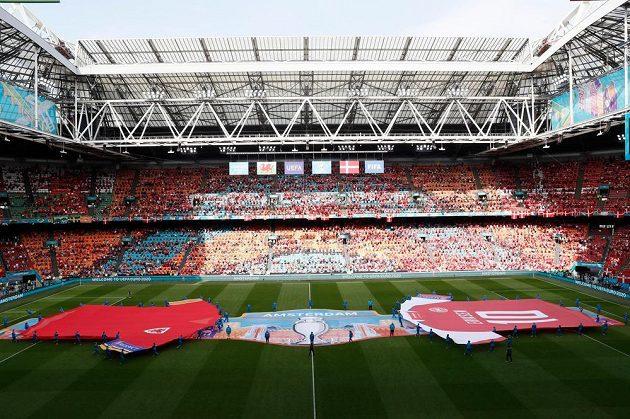 Úvodní osmifinále fotbalového EURO - zápas Walesu s Dánskem.