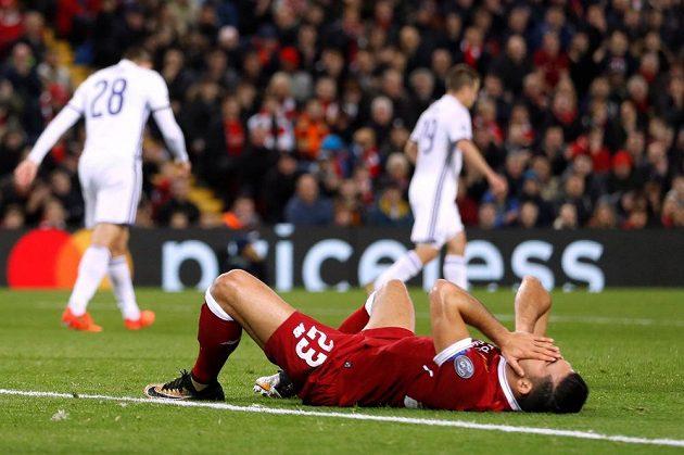 Zklamaný Emre Can z Liverpoolu po neproměněné šanci.