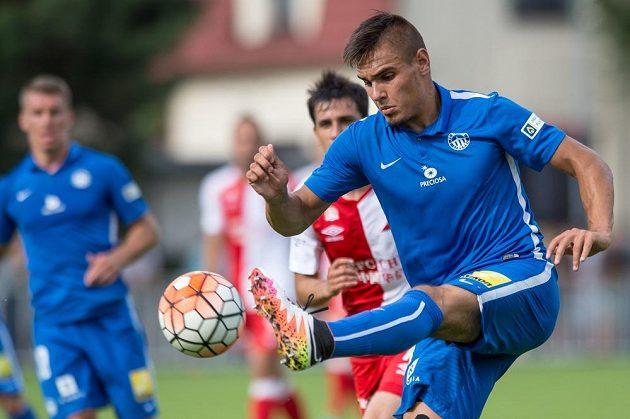 Martin Chlumecký ze Slovanu Liberec během finálového utkání turnaje o Ministerský pohár v Čelákovicích.
