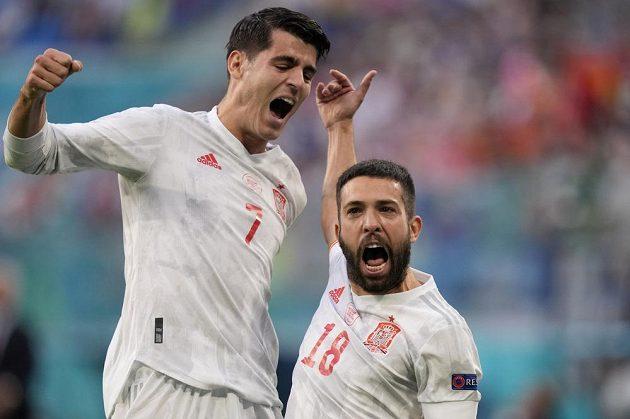 Euforie po vstřelné brance v podání španělských fotbalistů během čtvrtfinále EURO se Švýcarskem.
