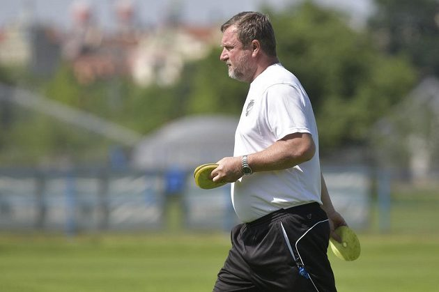 Trenér Pavel Vrba během úvodního tréninku plzeňských fotbalistů