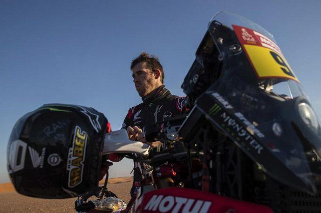 Motocyklista Ricky Brabec se stal prvním Američanem, který dokázal vyhrát Rallye Dakar.