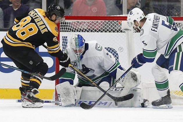 Sedm střel vyslal na branku Vancouveru Canucks český útočník David Pastrňák, gólové radosti se ale nedočkal.