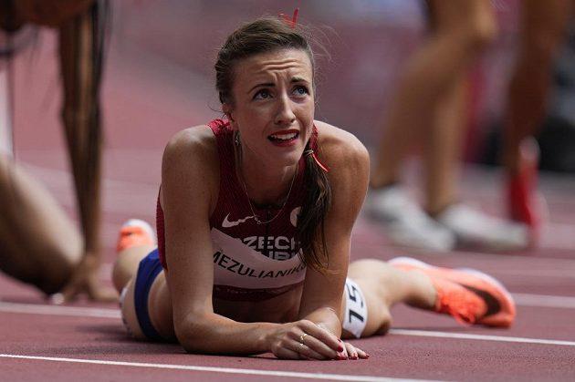 Česká mílařka Diana Mezuliáníková po rozběhu na olympijských hrách v Tokiu.