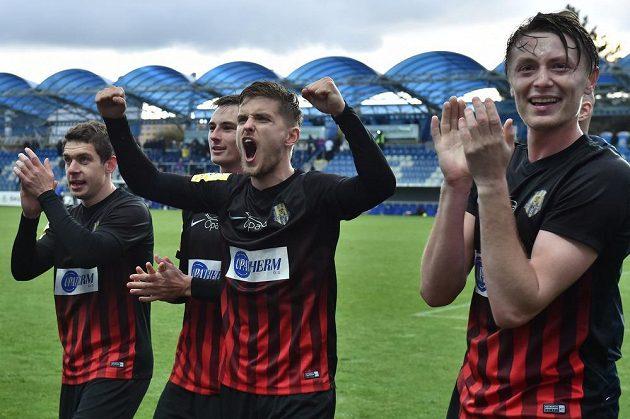 Hráči Opavy se radují z výhry v Mladé Boleslavi a postupu do finále poháru.