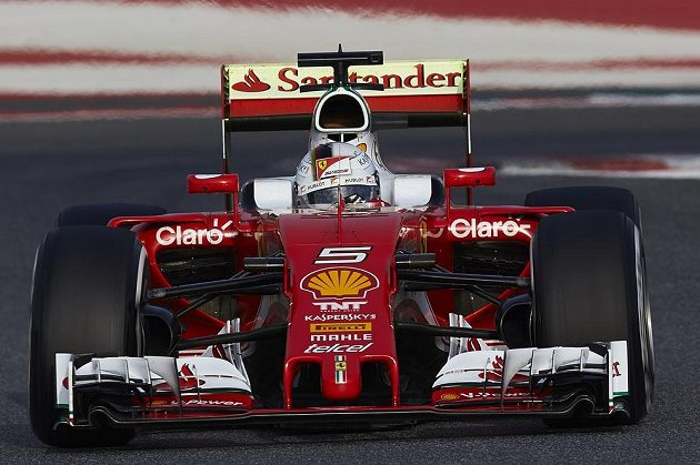 Němec Sebastian Vettel byl nejrychlejším jezdcem úvodního dne oficiálního testování týmů před začátkem sezóny formule 1.