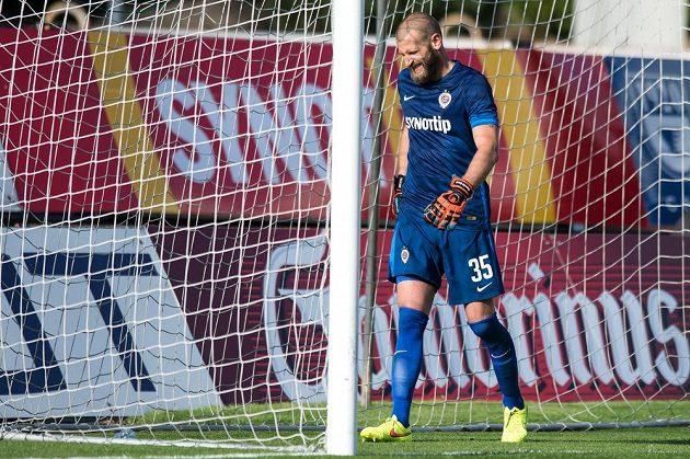 Gólman Sparty David Bičík během utkání v Jablonci.