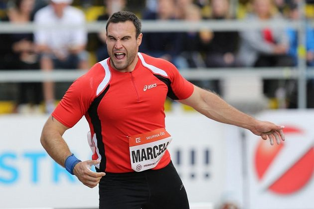 Druhé místo v závodě koulařů obsadil Jan Marcell výkonem 20,74 m.