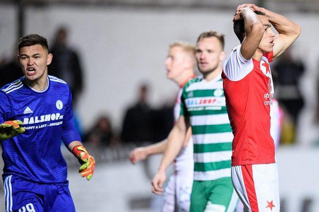Zklamaný Petar Musa ze Slavie Praha během vršovického derby.