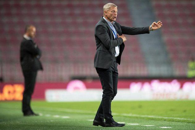 Trenér Sparty Praha Zdeněk Ščasný během utkání s Jabloncem.