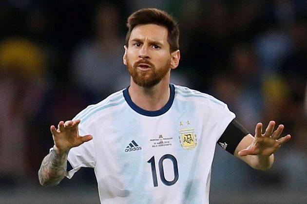 Argentinská hvězda Lionel Messi v utkání s Paraguayí.