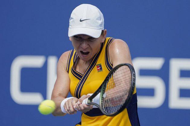 Rumunská tenistka Simona Halepová bojuje v utkání 1. kola US Open proti Camile Giorgiové.