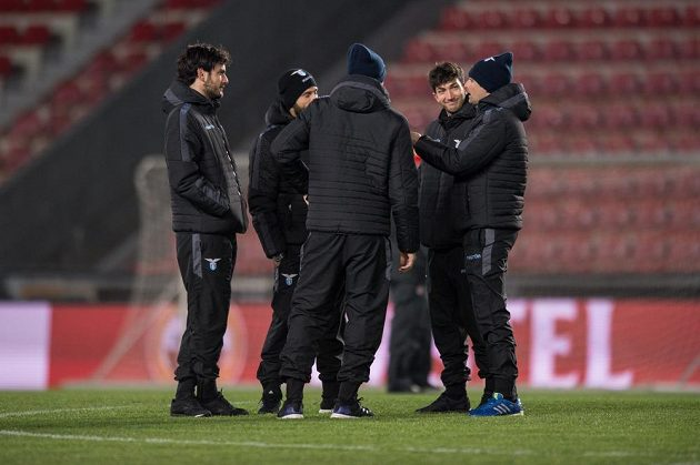 Fotbalisté Lazia na Letné den před utkáním Evropské ligy se Spartou.