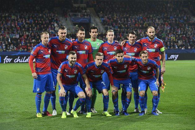 Plzeňští fotbalisté před zápasem s Realem.