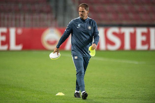 Trenér Interu Milán Frank de Boer během středečního tréninku před zápasem Evropské ligy s pražskou Spartou.
