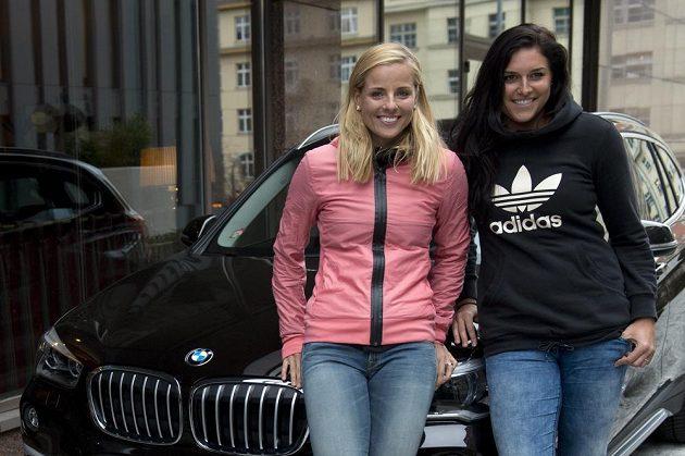 Markéta Sluková (vlevo) a Barbora Hermannová před zahájením sezóny.
