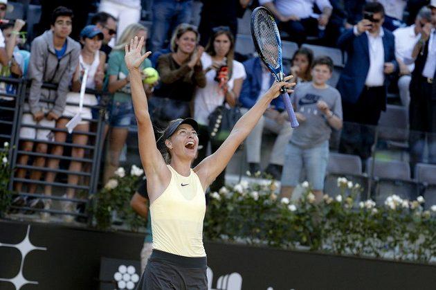 Ruska Maria Šarapovová jásá, v Římě zdolala Jelenu Ostapenkovou z Lotyšska.