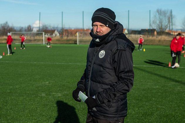 Fotbalisté českobudějovického Dynama zahájili přípravu v tréninkovém areálu na Složišti v Českých Budějovicích. Na snímku je trenér David Horejš.