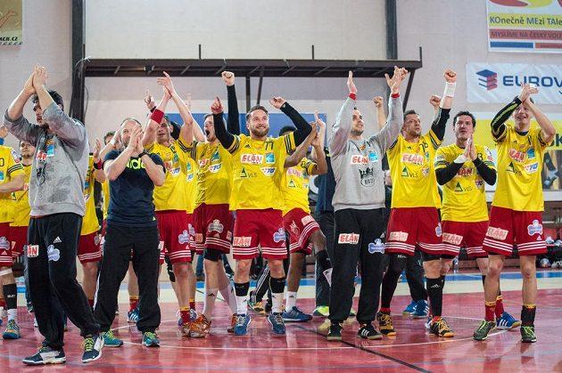 Házenkáři Dukly Praha jsou mezi čtyřmi nejlepšími celky v Challenge Cupu.