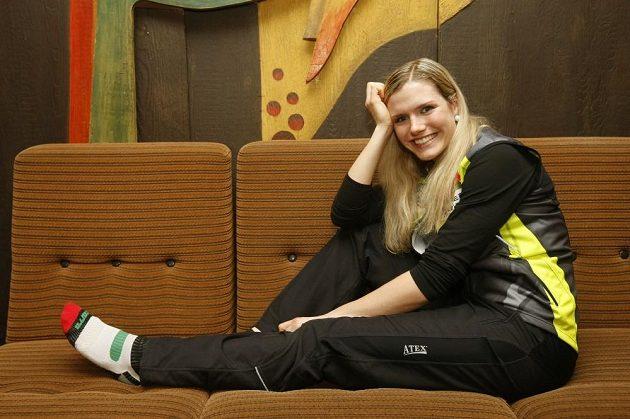 Česká biatlonistka Gabriela Soukalová při odpočinku na hotelu v Novém Městě na Moravě běhme MS.