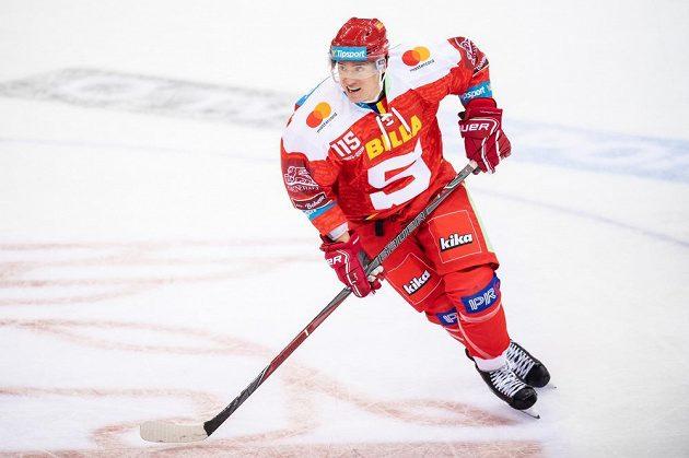 Nová posila hokejové Sparty Praha Blair Jones během utkání Tipsport extraligy s Pardubicemi.