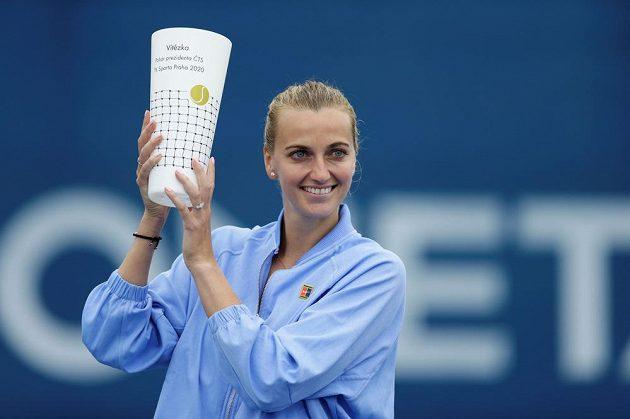 Petra Kvitová s vítěznou trofejí